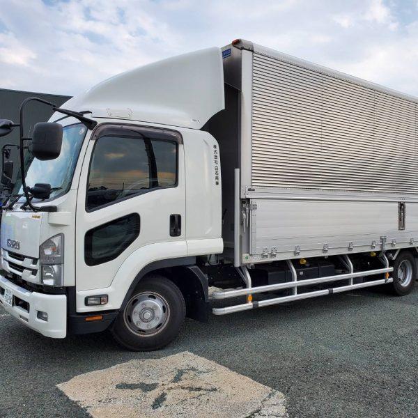 閉店商品の引き取りに使うトラックの大きさは?